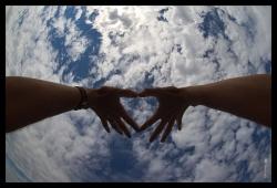 geo_hands